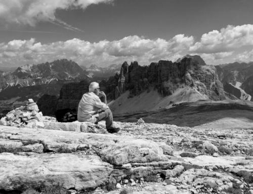 Escursione sulle Dolomiti di Croda da Lago, al Lastoi de Formin e sul Mondeval
